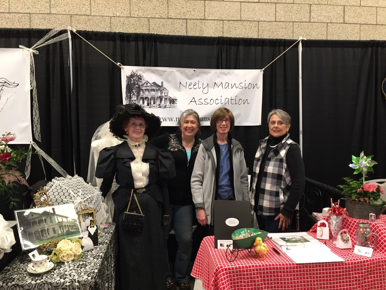 Neely members at Green River College Wedding Show